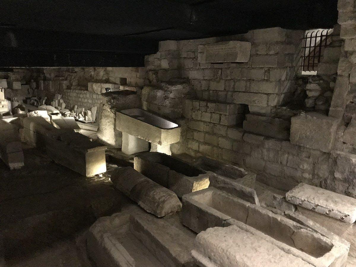 Crypte de la basilique de Saint-Denis